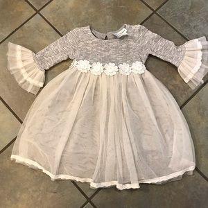 Beautiful gray white lace winter dress 4t